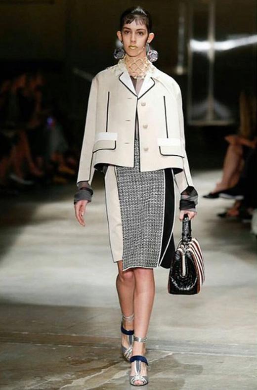 Mayka Merino abriendo show de Prada