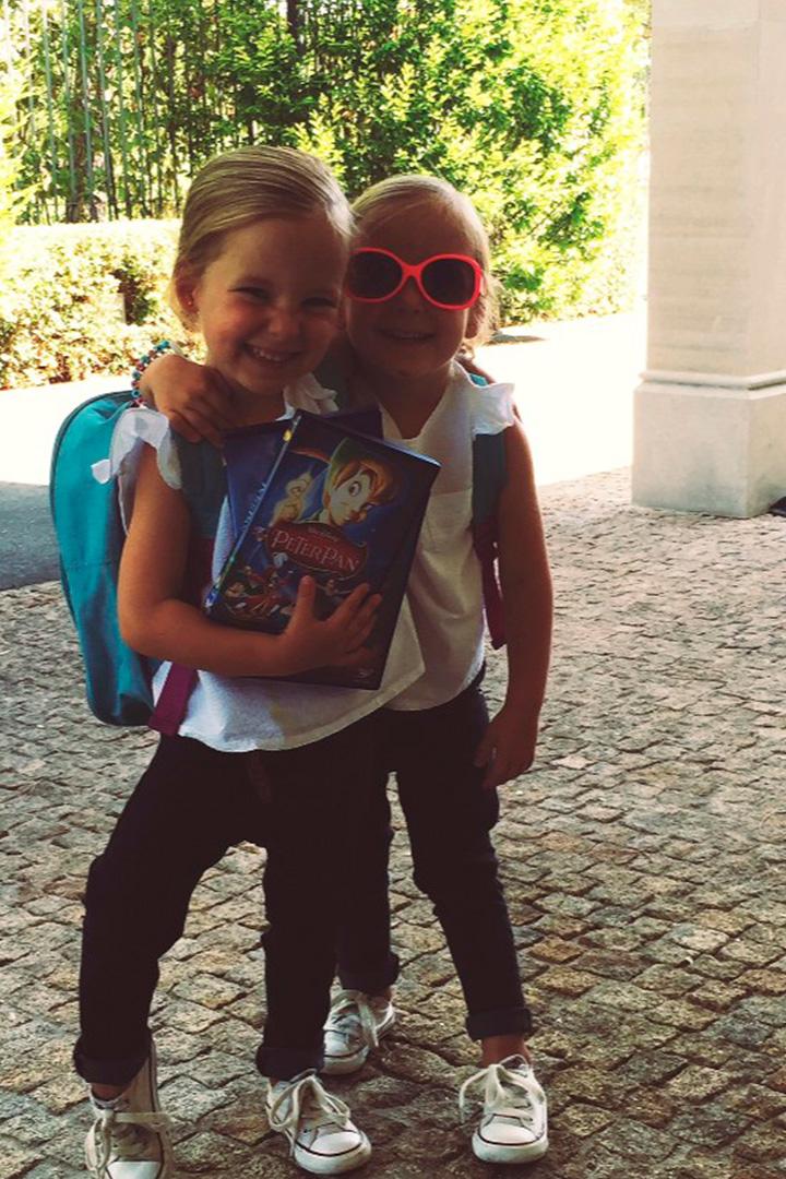Gabriela y Sofía antes de ir al colegio