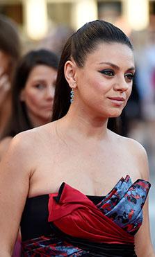 Mila Kunis confiesa el precio de los anillos de su boda