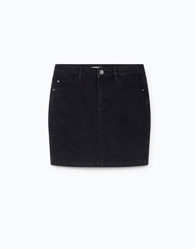 Minifalda denim en negro de Lefties