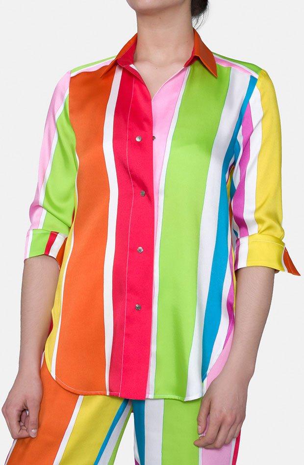 Blusa multicolor de Mirto: prendas estampados otoño