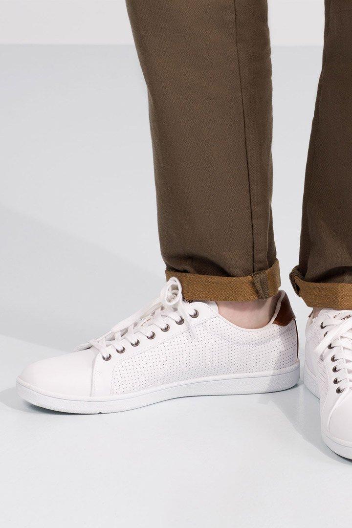 Zapatillas blancas de pull and bear