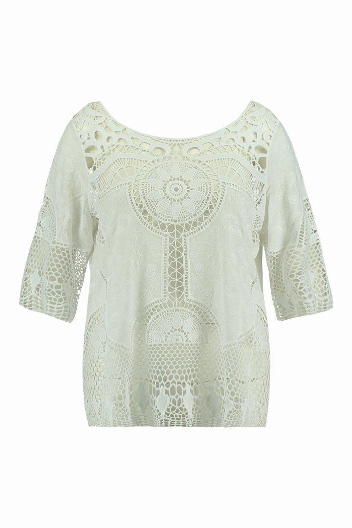 Blusa de ganchillo blanca de la colección FSTVL de Ms Moda
