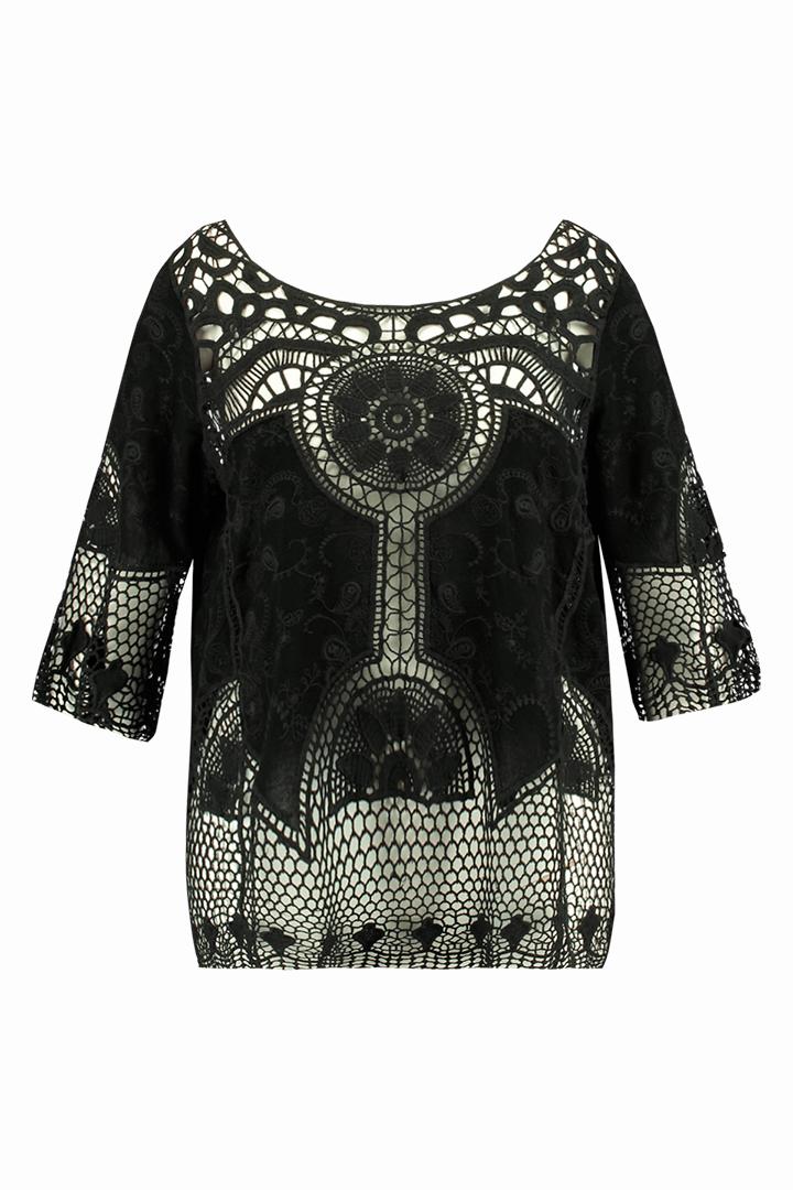 Blusa de ganchillo negra de la colección FSTVL de Ms Moda