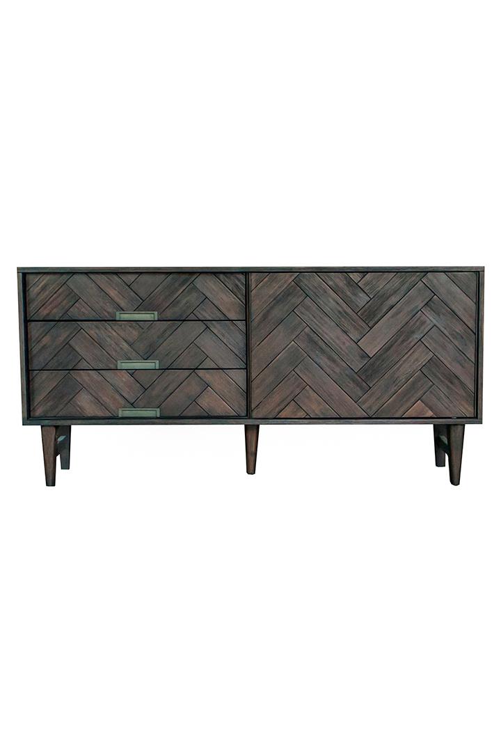 Mueble de madera para decoración de primavera