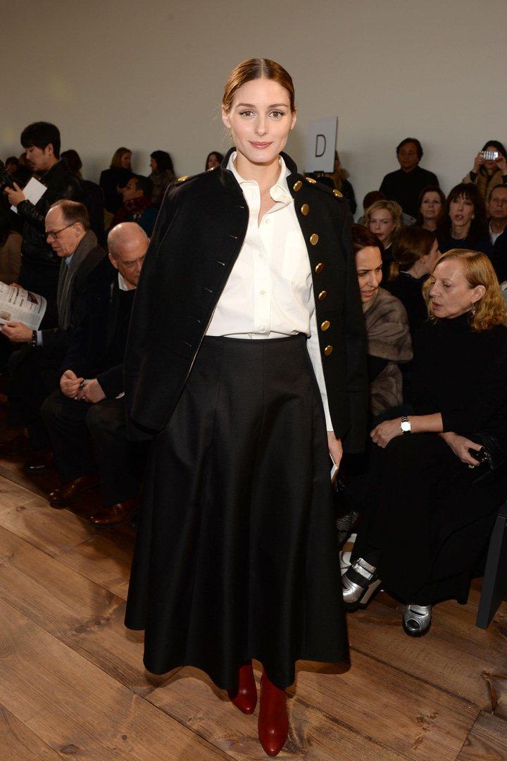 Olivia Palermo con look blanco y negro
