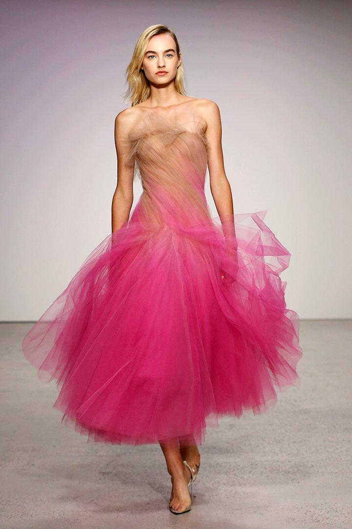 Óscar de la Renta cubre de tul la Semana de la Moda de Nueva York