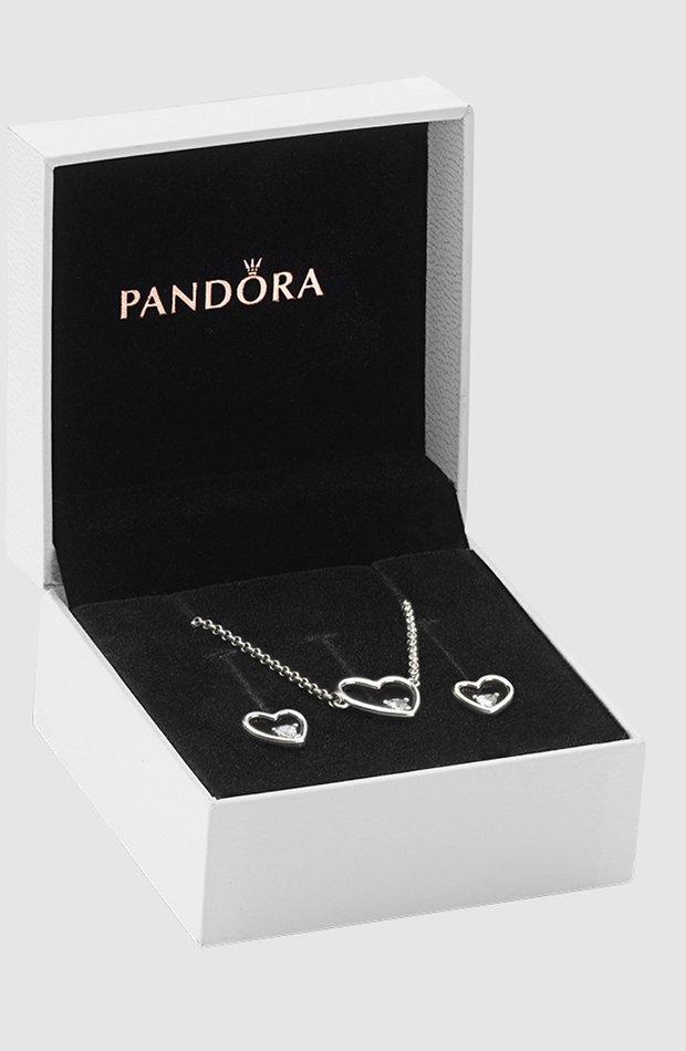 Set de collar y pendientes de Pandora: regalos san valentín 2019