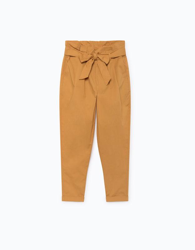 pantalones amarillos de Lefties