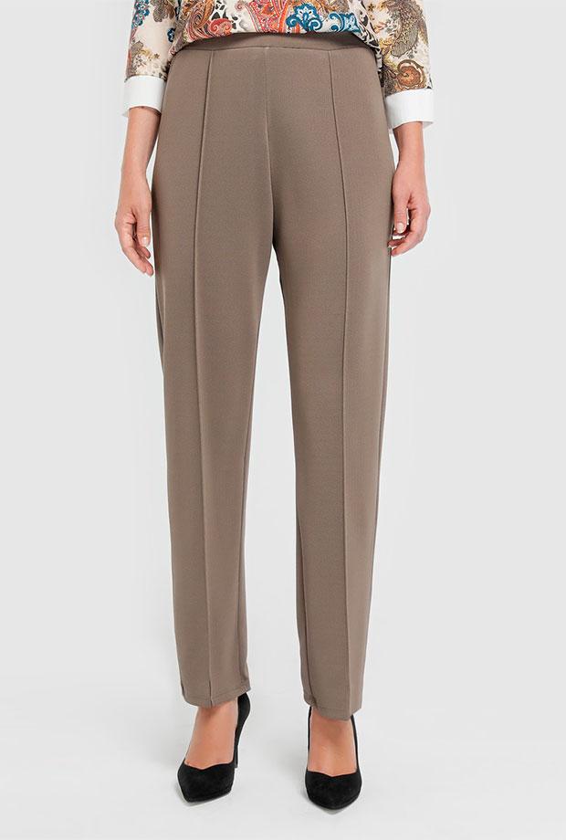 Pantalones para invitadas de boda beige