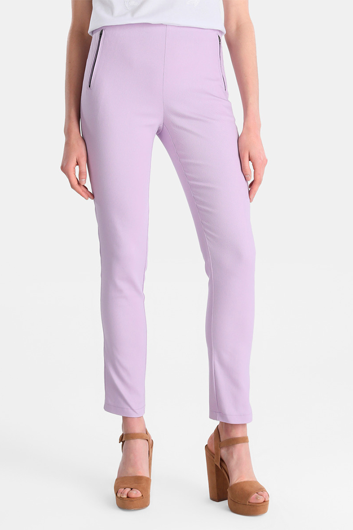 Pantalón recto de sarga en color lila de Easy Wear