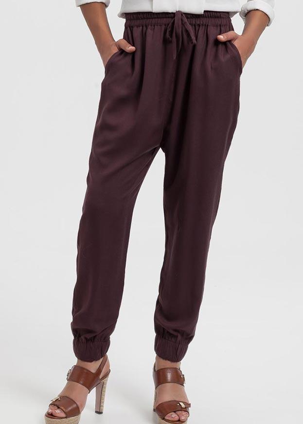 Pantalones fluidos en marrón