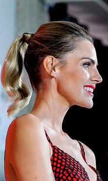 Peinados de invitada (y para novias que quieren brillar)