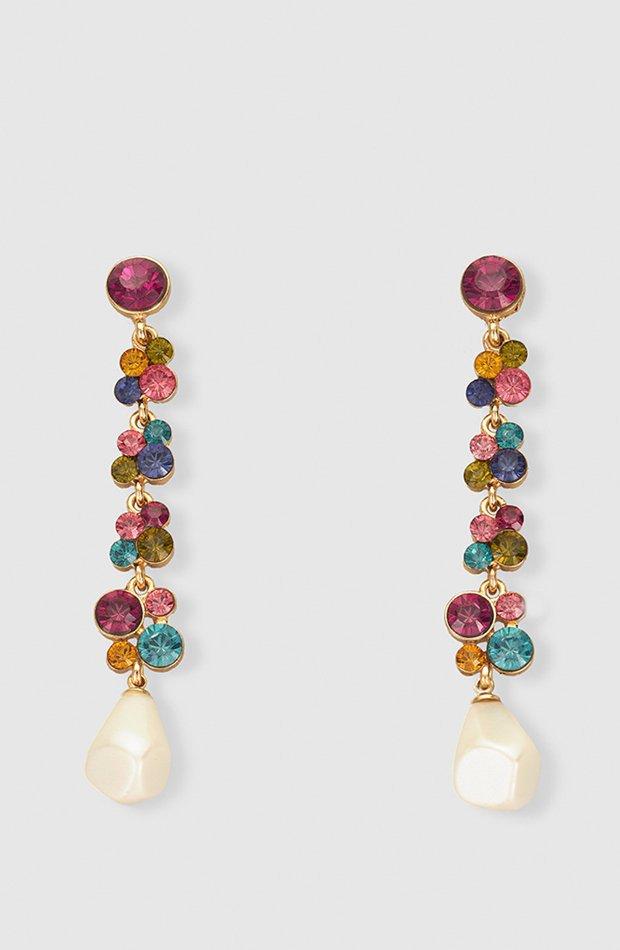Pendientes de pedrería multicolor y perla de El Corte Inglés: invitada de invierno