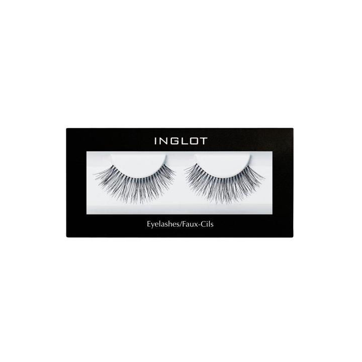 Individual Eyelashes de Inglot: maquillaje ojos grandes