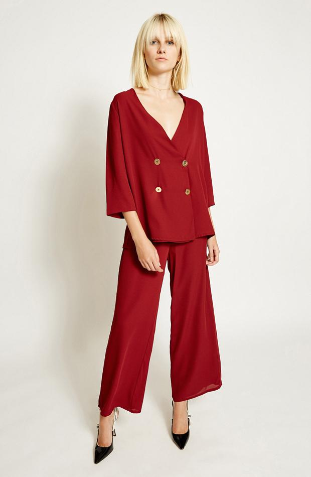 Blusa roja con doble abotonadura de Poete: blusas día y noche