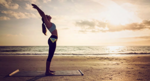Todo lo que necesitas para practicar deporte en la playa