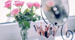 Los productos que necesitas y cómo aplicarlos para no cometer errores al maquillarte