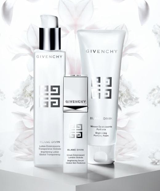 productos iluminadores Blanc Divin de Givenchy entrada