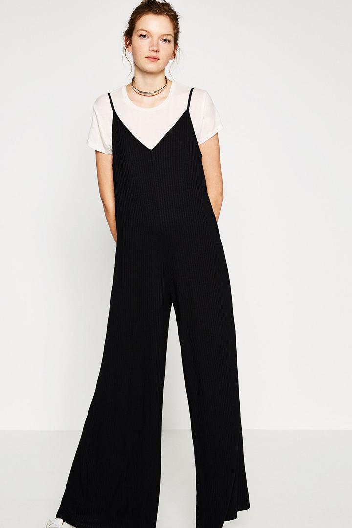 Mejores compras de rebajas en Zara: mono negro