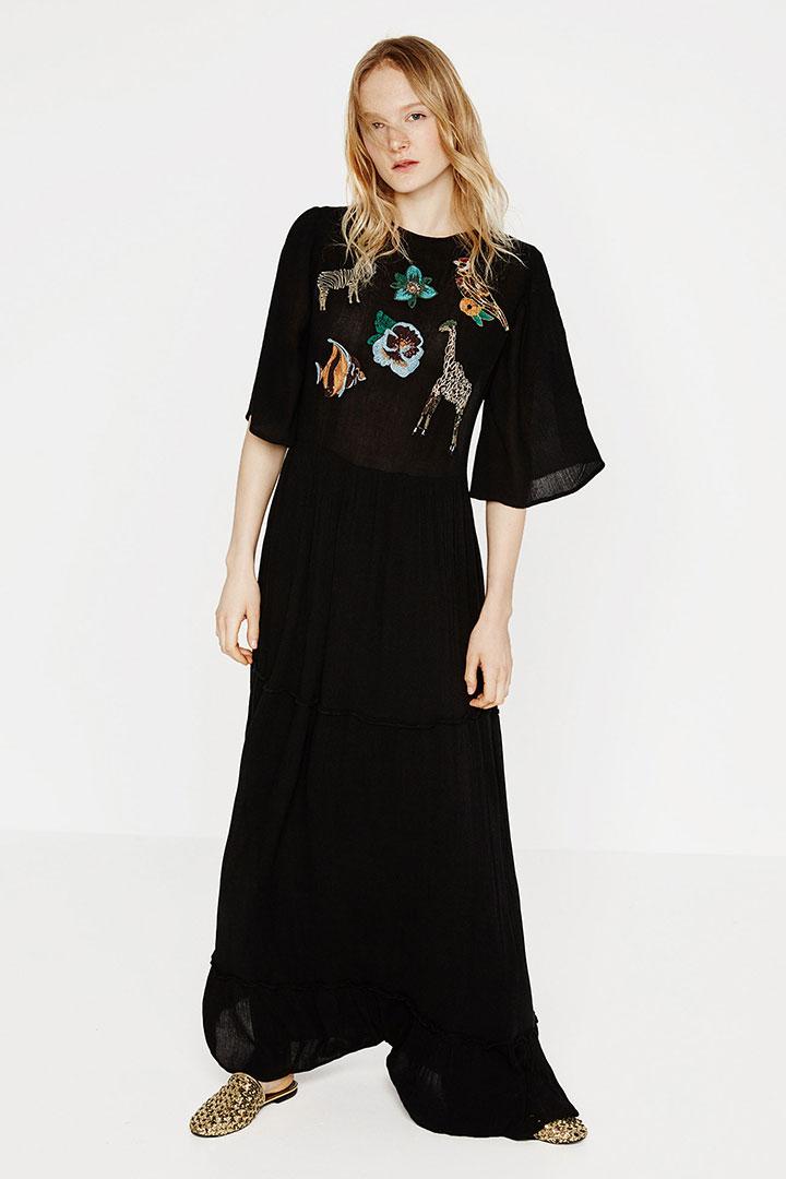 Rebajas en ZARA: vestido negro con bordados
