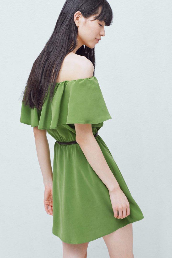 Rebajas en Mango: vestido verde con volante