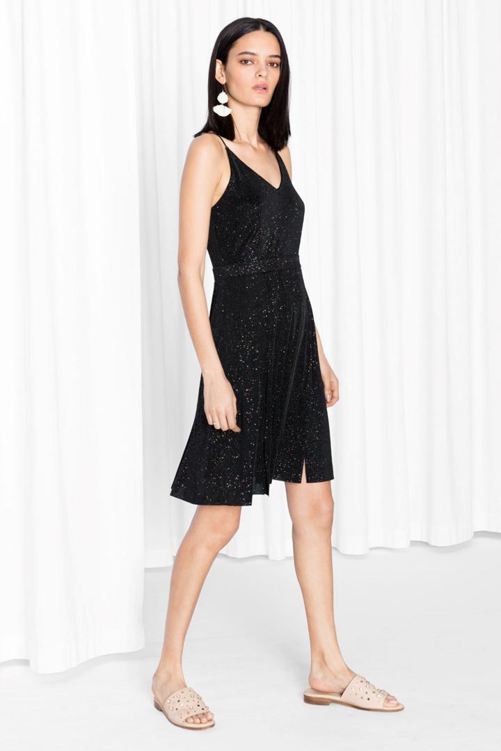 Rebajas en &Other Stories: vestido negro con glitter