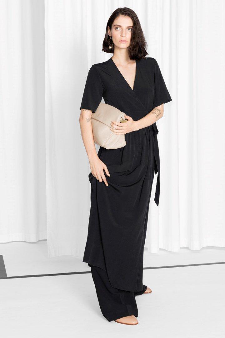 Rebajas en &Other Stories: Wrap Dress negro largo