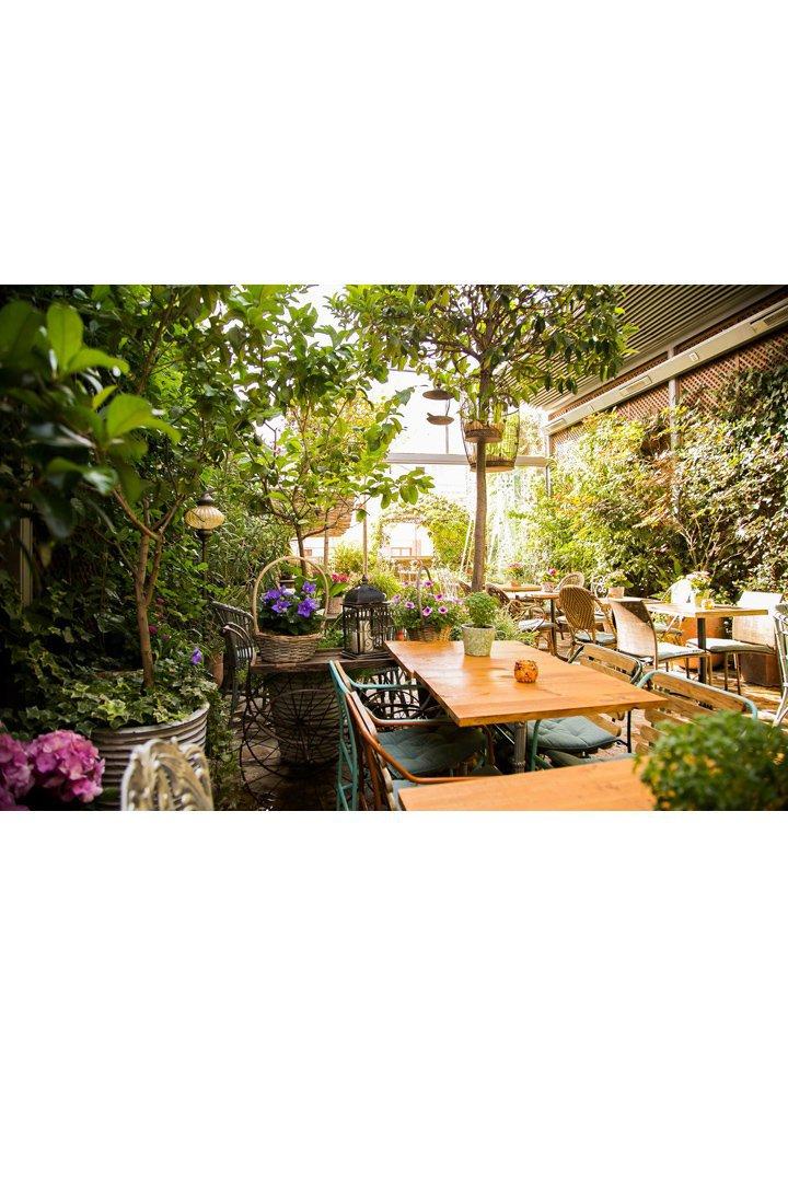 Restaurantes con terraza en madrid jardín secreto salvador bachiller