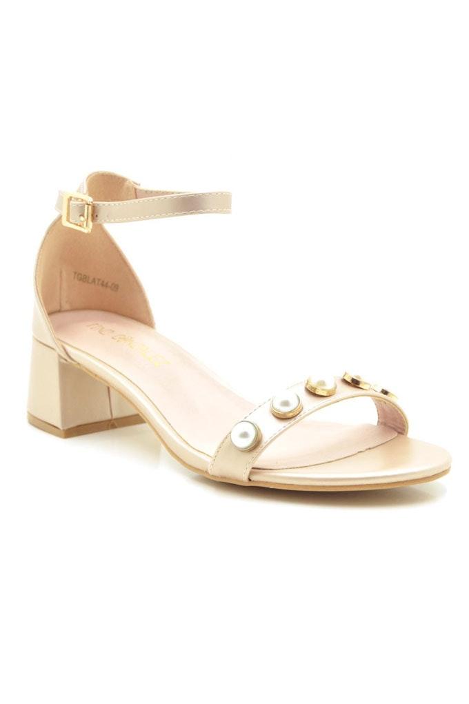 3a99c369fe3 Sandalias con tacón cómodas con detalles de perlas