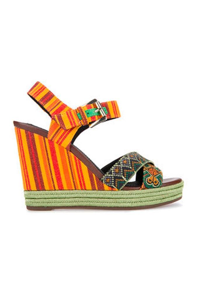 Sandalias multicolor con tacón cómodas