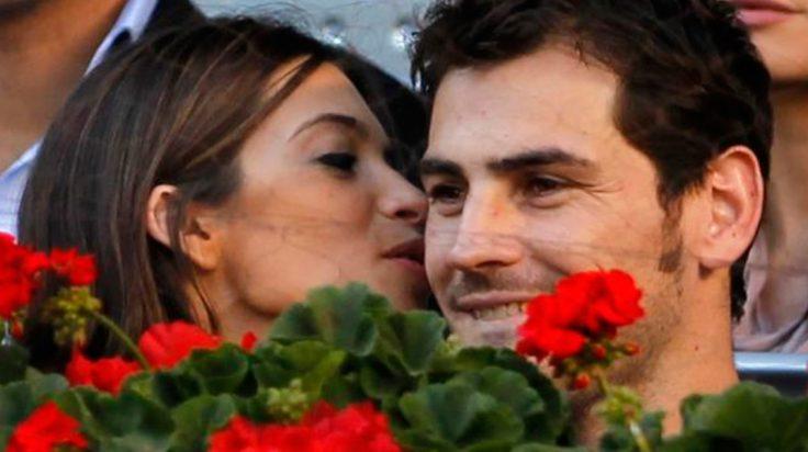 Sara Carbonero e Iker Casillas ven acaramelados el futbol