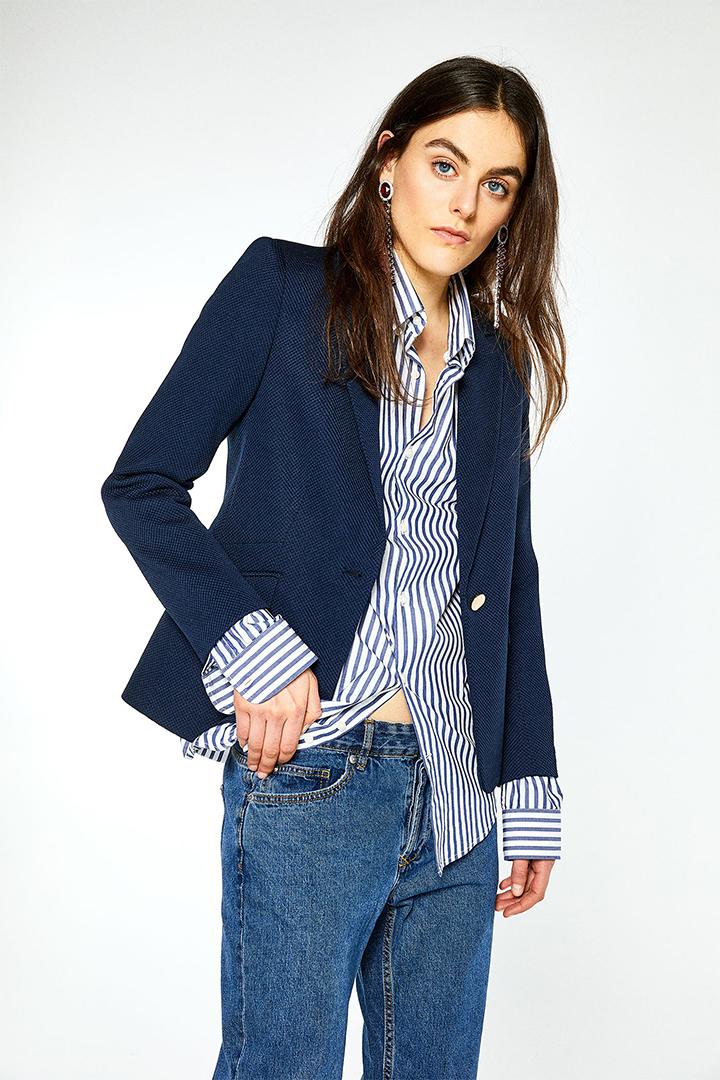 Chaqueta azul marina con bolsillos de Sfera Online