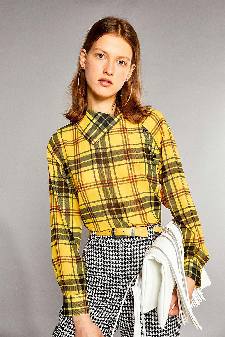 Camisa amarilla con estampado de cuadros de Sfera Online