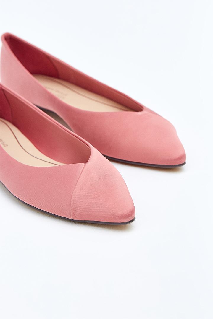 Bailarina rosa con puntera afilada de Sfera Online