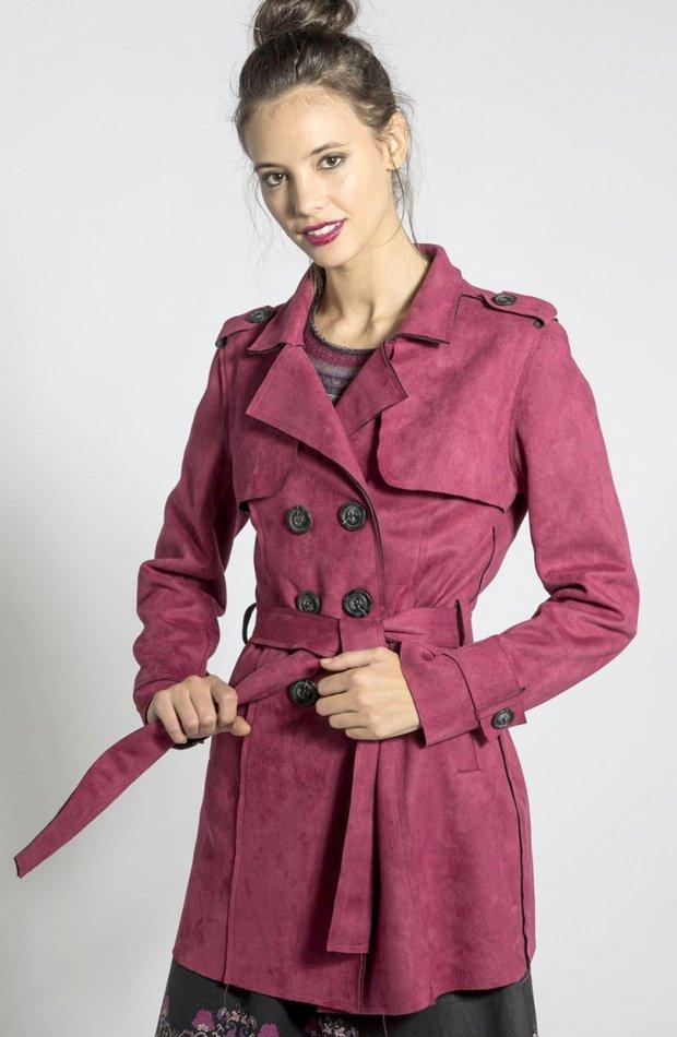 Gabardina en color burdeos con cinturón de Smash: gabardinas it girl