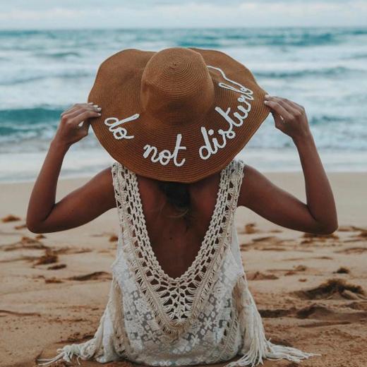 sombreros con mensaje Lovely Pepa
