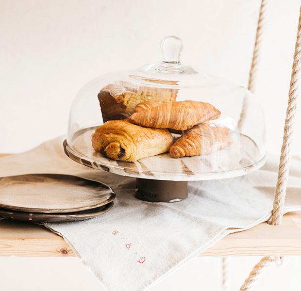 Somos bonjour croissant