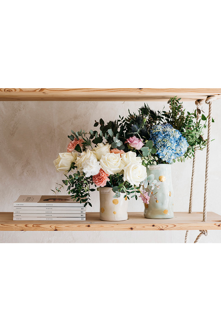 Somos Bonjour jarrón con flores