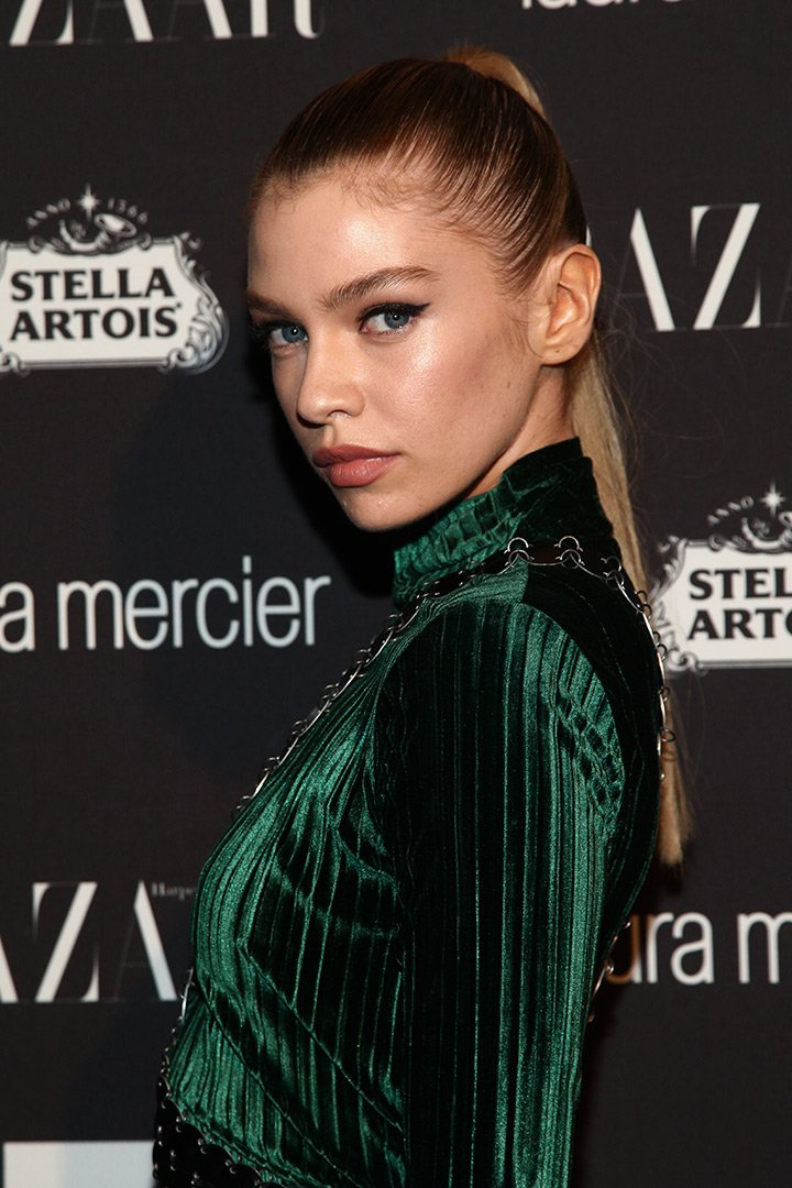 Maquillaje de navidad Stella Maxwell