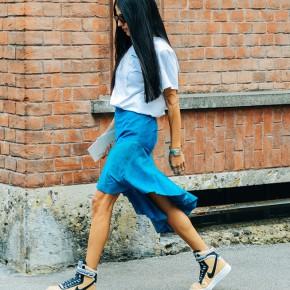 Cómo llevar zapatillas con estilo