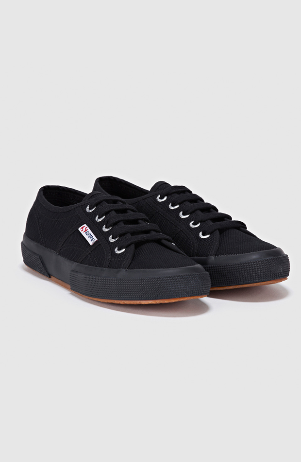 Negras de algodón de Superga: sneakers looks oficina