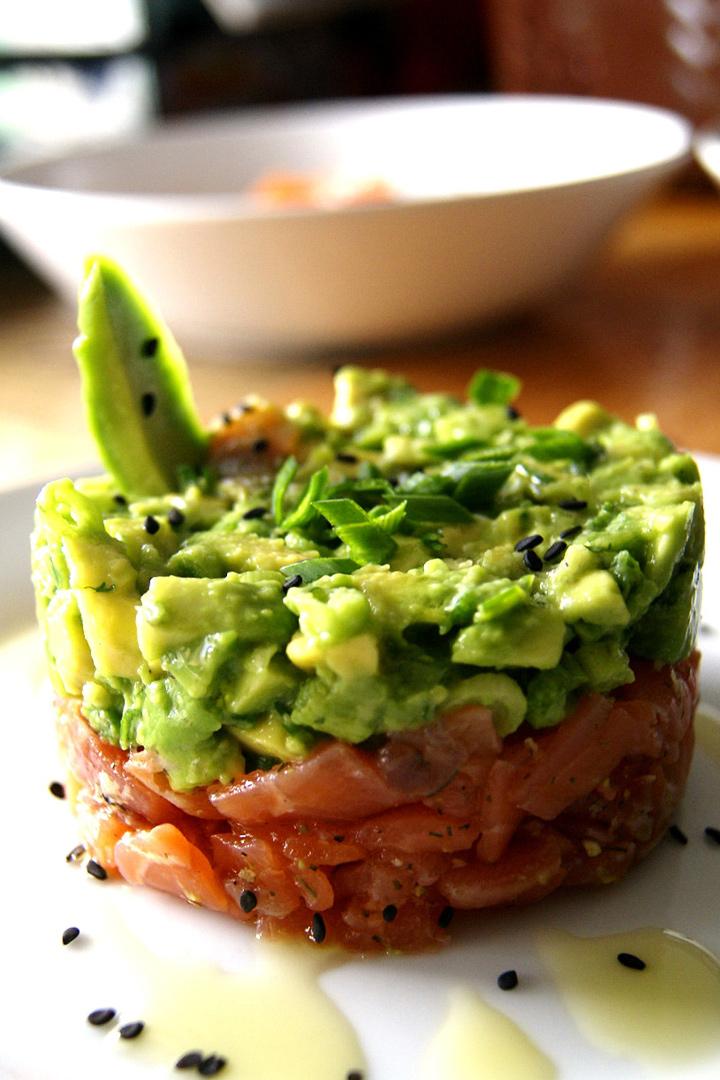 Tartar de salmón y aguacate, delicioso