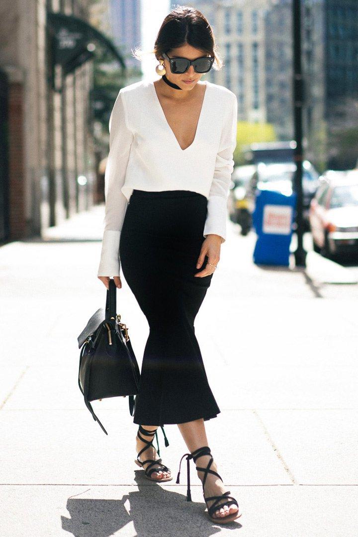 The girl from panama con falda negra y camisa blanca lokos que no pasan de moda