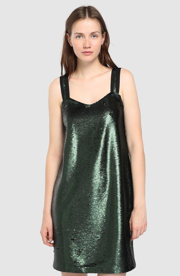 Vestido verde de lentejuelas de Tintoretto: invitada de invierno