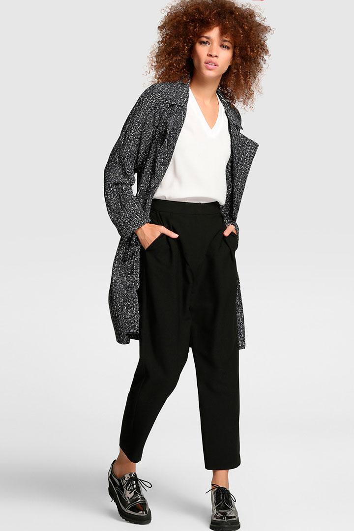 pantalon de corte ancho negro de El Corte Inglés
