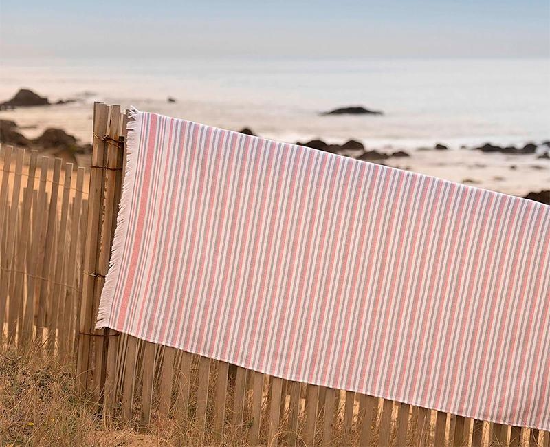 89533eb22474 Las toallas y pareos más cool del verano son de Donurmy - StyleLovely