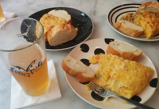 dónde comer tortilla en Madrid Pez Tortilal