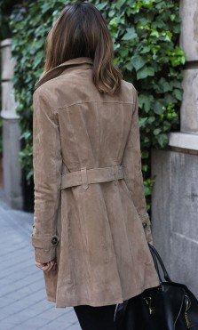 Gabardina de piel marrón de El Corte Inglés