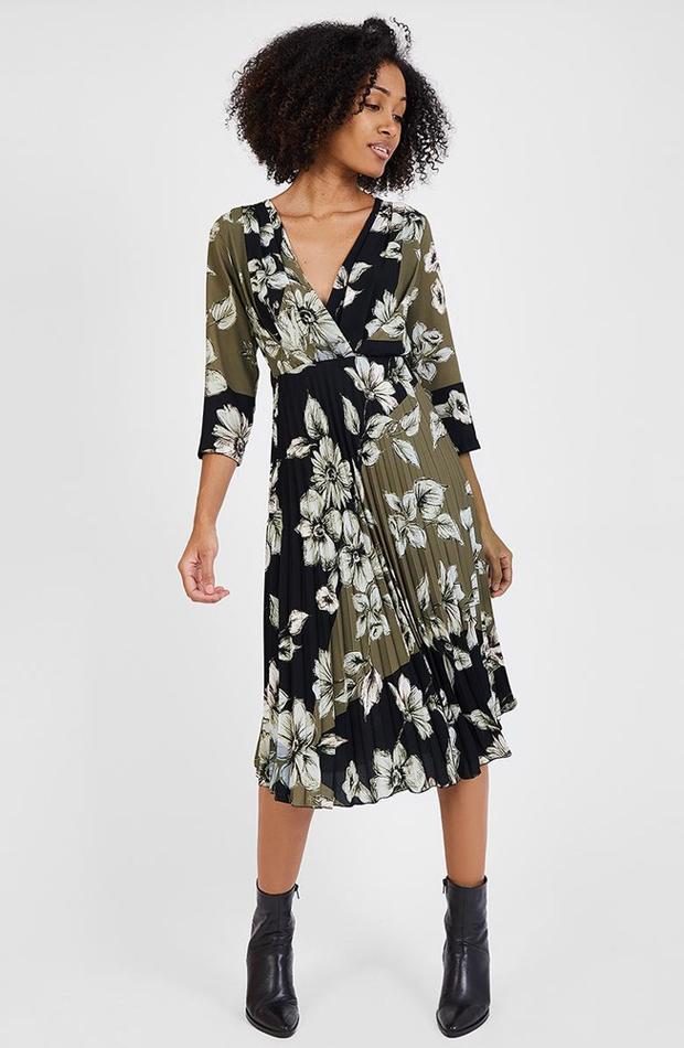 f65b2e644cd Vestido con estampado floral y falda plisada de Trucco  vestidos botas altas